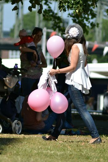 Check This Out Streetphotography Baloons Pinkballoons Enjoying Life Taking Photos Streetsofcologne