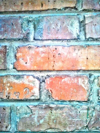 В последнее время ощущение что вокруг меня стена. Выхода нет. Getting In Touch Walking Around