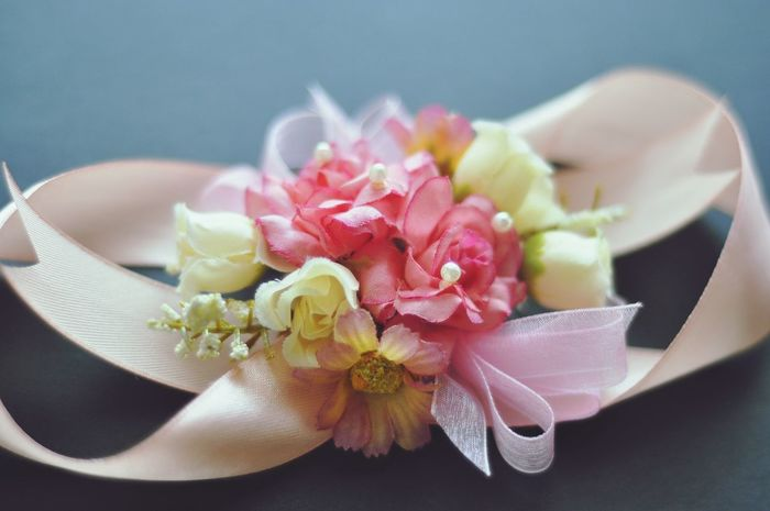 Corsage Flower Close-up Orchid Indoors  No People Fragility Freshness Flower Head Day Fresh On Eyeem  Flowerpower Flower Photography Floweroftheday Fleurs Flowers Weddinginspiration Wedding Ceremony Weddingceremony Corsage Wristcorsage