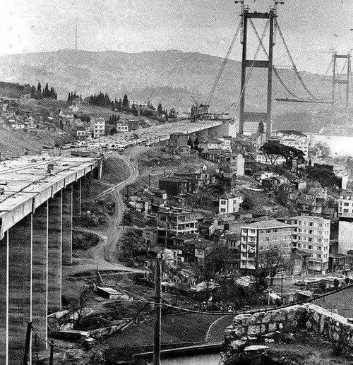 Türkiye 💙💛 Türkiye TürkiyeCumhuriyeti Eski Istanbul Turkiye Istanbul - Bosphorus Bridge ıstanbul Boğaz Köprüsü