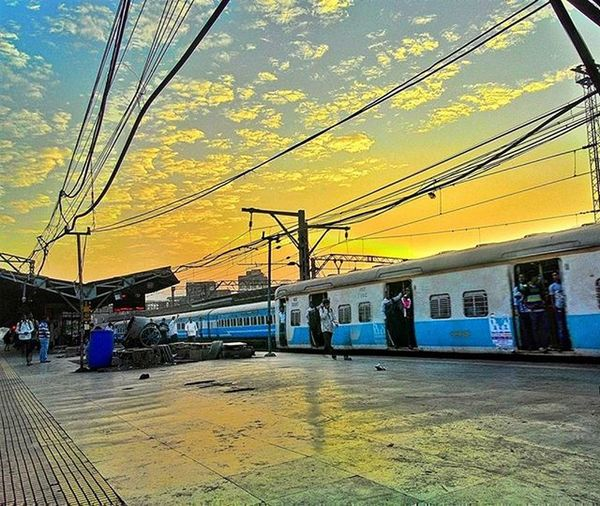 Sunrise at Thane railway station. Sunrise Winter Thane Railwaystation Train Thanestation Ig_maharashtra Ig_india Ig_worldclub Repostingindia Indian_photographers India_gram Igers Igersoftheday Asus Zenfone Zenfoneglobal Asusglobal Seewhatotherscantsee Indiaunseen Incredibleindiaofficial _soi Maharashtra_ig Instadaily Instagood instagram photooftheday