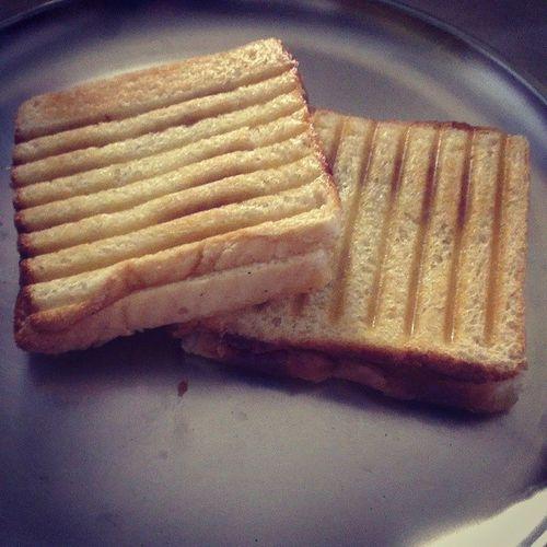 My babygirl makes the best chicken sandwiches! Quickbite Yumyumyum Foodgasm LittleChef