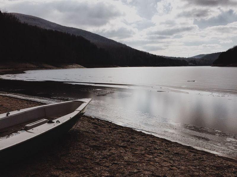 by the lake Ponton