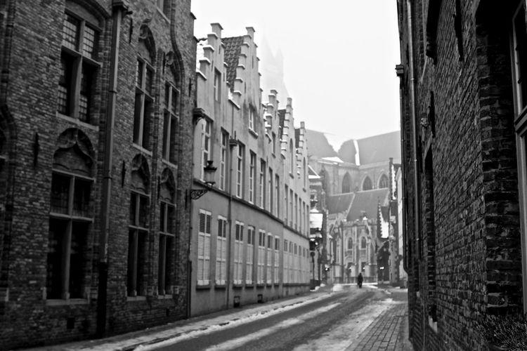Bruge Street Bruges Snow Building City City Life City Street Cold Bruge Leading The Way Forward Walkabout Bruges