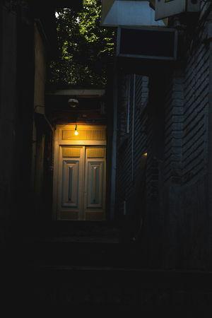 Light Bulb Light Bulb Light Door Alley Narrow Alleys Narrow Alley Light In The Darkness Light And Dark Lightbulb