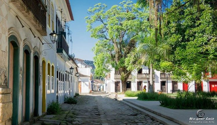 Paraty - RJ Architecture Street Tree Building Exterior Road Built Structure Outdoors Sky No People City Day