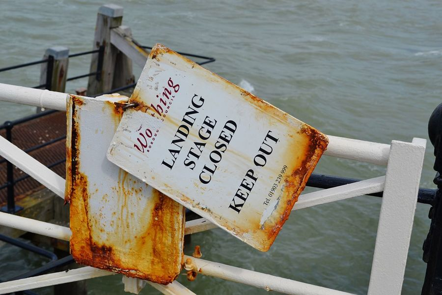 Text Rust Rusting Metal Worthing Worthing Pier West Sussex Coast Fishing