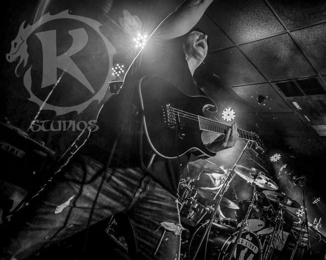 Red Light Romeo killing it on stage in Richmond Klinglestudios Redlightromeo 804rock Locallivemusic