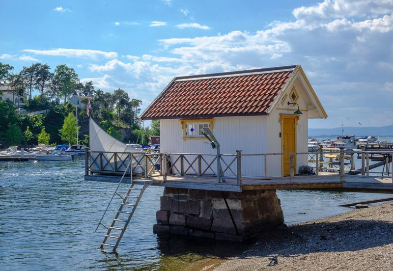 Bath house at Ormøya #oslofjord #xf18-55mm #fujifilmxt2 #ormøya #fjord #sea #Norge #norway #Oslo Built Structure Architecture Cloud - Sky Building Exterior Sky Water Nature Waterfront