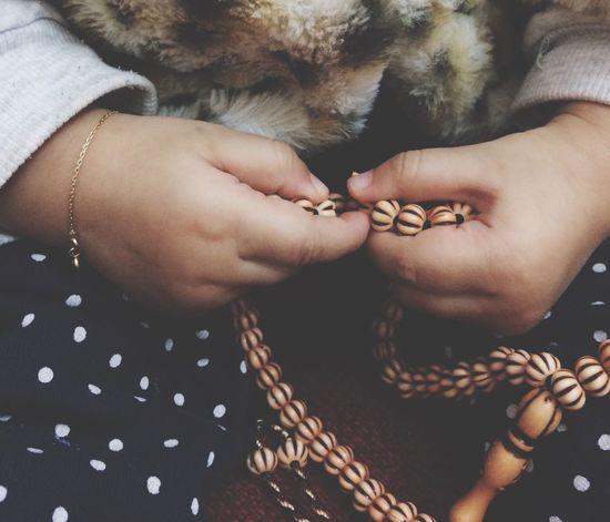 ثقيلتان في الميزان حبيبتان إليّ الرحمن سبحان الله وبحمده ..سبحان الله العظيم ❤ Taking Photos Photographer Libya Misurata Tripoli ❤ IPhone 5S Hi World Kids Photography Children Girls أوسي ❤️