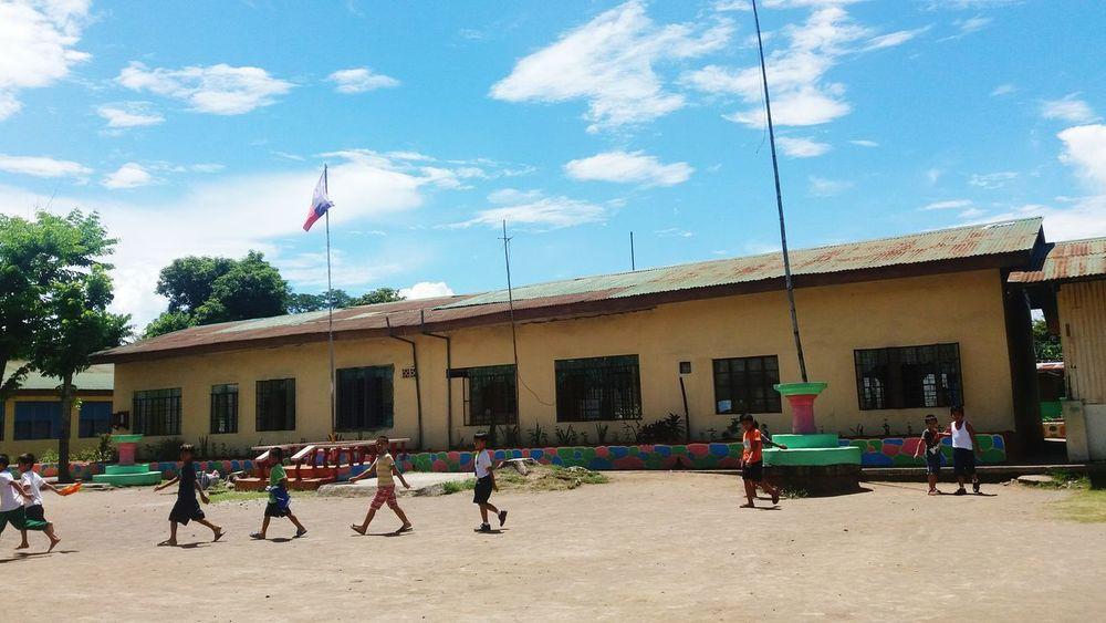 People Together Eye Em! Eyeemphotography Eyeem Philippines Eyeemjourney A Day At School
