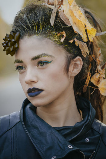 Autumn Leaves Autumn Portrait Of A Woman Women Leaves Portrait Beautiful Woman Headshot Young Women Beauty Futuristic Human Face Fashion Close-up Ceremonial Make-up Stage Make-up Make-up Body Paint Human Lips Eye Make-up Blank Expression Fashion Model Face Paint Autumn Mood