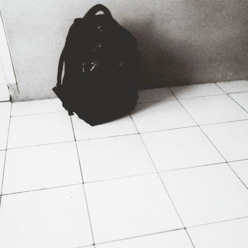 back.pack Black & White