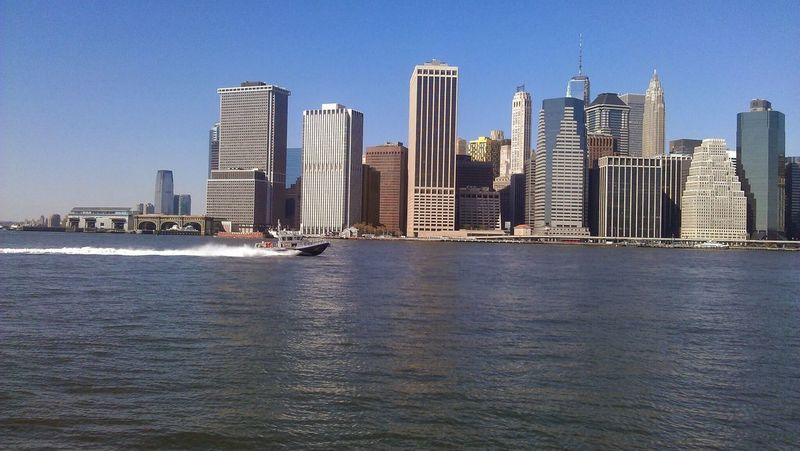 Phonecamera Eastriver Boating Beautiful Day City Enjoying Life