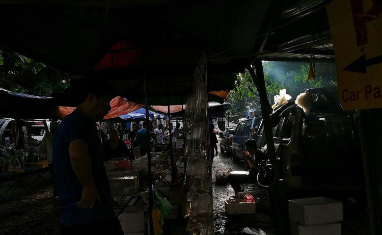 sunday market ipoh Working Lifestyles People Real People Ipoh Ipoh,Malaysia Loken Pasar Karat