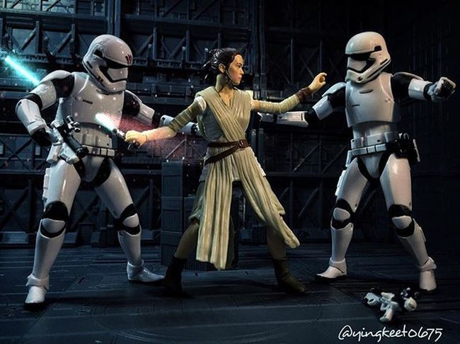 I wonder if we will get to see Rey go through her training to become a Jedi in Episode 8? Or will we just see her as a full fledged Jedi, fully trained & ready for action? Rey TBSFF Starwars Starwarsblackseries Starwarstheblackseries Starwarstheforceawakens HasbroStarWars Hasbrotoys Hasbroblackseries Swfotw Starwarsphotography