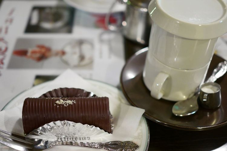 Angelus/アンヂェラス Angelus Sweets Cake Chocolate Yummy Coffee Coffee Shop Cake Shop Enjoying Life LUMIX DMC-GM5K 池波正太郎先生御用達の浅草のケーキ&喫茶店。ただし、池波先生当時と異なり、ここ数年で禁煙に。で、遠ざかっていましたが、私も最近減煙に成功したので久しぶりに訪問 Asakusa