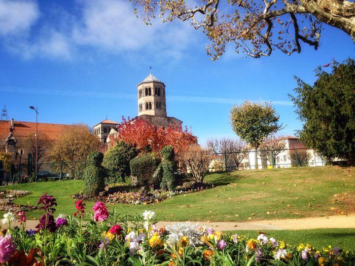 Eglise Saint Austremoine Auvergne Issoire Colorful France Church Autumn Garden Jardin
