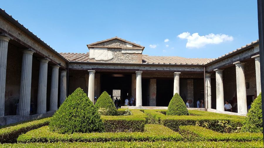 Pompeii  Pompéi Pompei Scavi Architecture History Travel Destinations Architectural Column Built Structure Outdoors Italia Italy Light And Shadow Sunny Day Catherine2017 See The Light Summer Exploratorium The Architect - 2018 EyeEm Awards The Traveler - 2018 EyeEm Awards