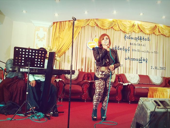 Singing @ wedding reception :) I Love Music Singing Lovemusic Singing To Beatifull People