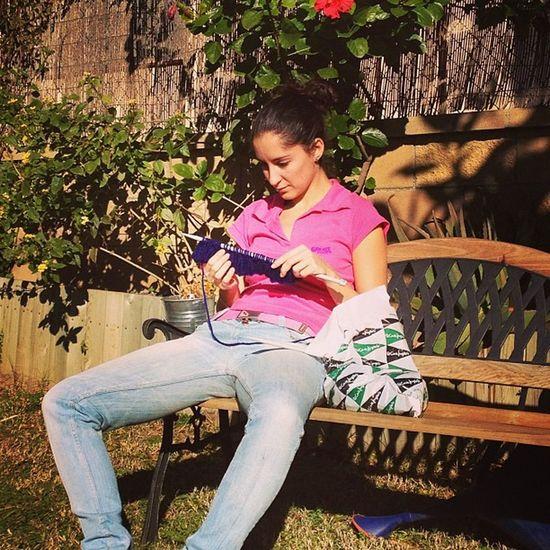 marietas7 començant la seva nova creació #premia #knitting Goodweater Sun Nature Sunshine Light Winter Knitting Sunlight Shine Sunny Photooftheday Sunnyday Goodday Beautifulday Premia
