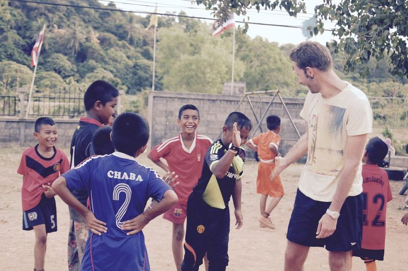 Carefree Enjoying Life Enjoyment Football Friends Fun Goal High Five High Five! Keep Smiling Kids Koh Lanta Leisure Activity Playing Together Smile Soccer Soccer Team  Team Thailand Together Togetherness Vacation The Tourist Spotted In Thailand In Koh Lanta