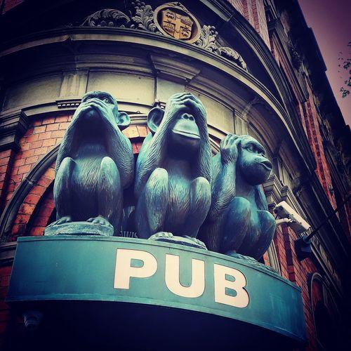 3 Wise Monkeys 3wisemonkeys Pub Iconic Buildings Travelblogger Day Travel SeeNoEvil SpeakNoEvil HearNoEvil