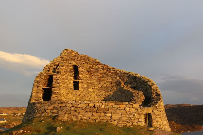 Dun Carloway Broch Dun Carloway Broch Scotland Outer Hebrides Isle Of Lewis Built Structure Architecture Sky History Ancient The Past Building Exterior Old Ruin No People Nature Old Cloud - Sky Travel Stone Material Day Ancient Civilization Travel Destinations Tourism Building Land