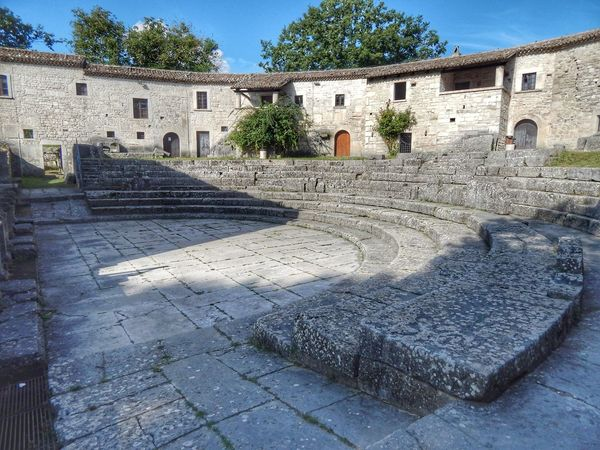 Sepino's amphitheater Sepino Altilia Bestoftheday Best EyeEm Shot Ancient Architecture Architecture_collection Picoftheday Building Exterior Tree Shadow House Sky Architecture Building Exterior Built Structure Historic Old Ruin Amphitheater Archaeology Ancient Ruined Ancient History The Past Building Civilization Stone Material Village History Ancient Civilization