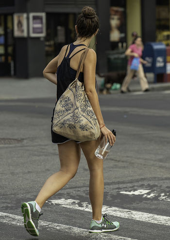 City Life Crosswalk Manhattan Woman Candid Candid Photography City Fitness Full Length Legs Sportswear Streetphotography Upper West Side Urban