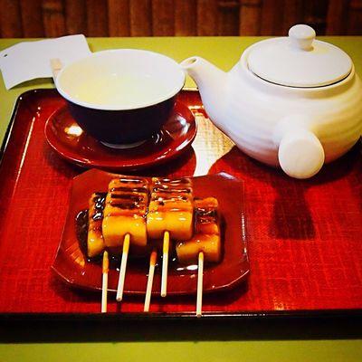 みたらし団子 梅園 清水店 Dango Japanese Food Kyoto, Japan Kyoto Japaneasefood Japaneas Food Japanese Sweets Mitarashi-dango Cafe Cafe Time