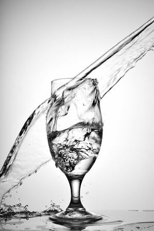 Alcohol Bubble Close-up Day Dissolving Drink Drinking Glass Food And Drink Freshness Liquid Motion No People Refreshment Studio Shot Table Water White Background Wineglass 優雅 創意思考 水花 灑下 藝術 酒杯 靜物