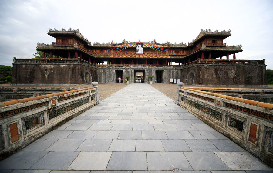 Huế Vietnam Ancient Civilization Architecture Building Exterior Built Structure Day Eaves History Huesca Kaiserstadt Königssstadt No People Outdoors Place Of Worship Religion Roof Sky Travel Destinations