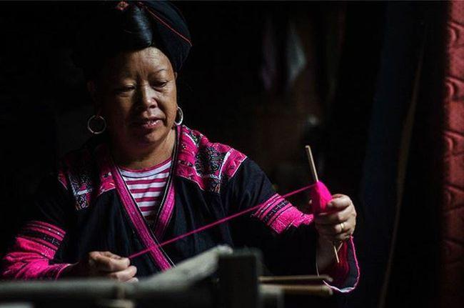 Throwback. Faces of Guilin,China. Weaver Traveler Fotorewang Photographysouls Photo Rarecation Guilin China Humaninterest Humaninterestphotography Weaver Wpo Hipaae Morning Colorful PINKY Natgeotravel