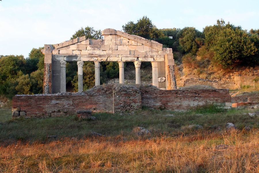 View of the Roman Temple of Apollonia at sunset ALBANIA❤️ Apollonia Wall Abandoned Ancient Ancient Civilization Archaeology Archeological Site Architecture Building Exterior Built Structure Grass History Monument Nature No People Old Ruin Outdoors Run-down Sky Sunset The Past Tourism Travel Destinations Tree