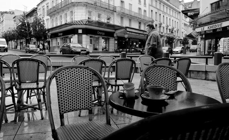☕️ Blackandwhite Vichy Streetphotography Urban Lifestyle FujiFilm X20 France