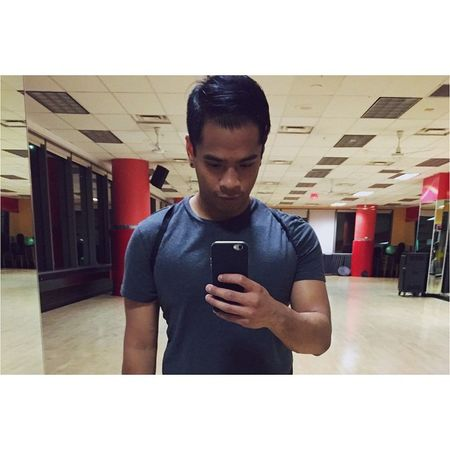 Idk how I still have the energy to gym 4 days a week especially with school keeping me so busy 😯 GymLife Everyday Selfie Beactive notthereyet random vsco