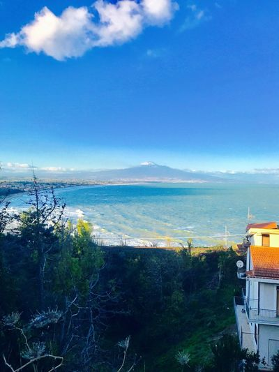 Vulcano Etna sul golfo di Catania Sea Sky Tree Horizon Over Water Water High Angle View Scenics Beauty In Nature Nature Architecture Cloud - Sky Built Structure Building Exterior Outdoors No People City Day Cityscape Mountain