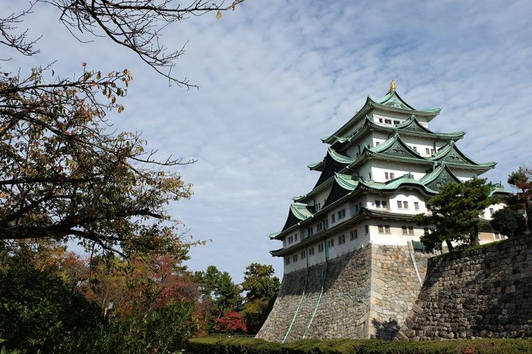 Nagoya Castle- Home to the Tokugawa clan during the Edo period. Very cool place to be infront of. Nagoya Castle Nagoya-shi Architecture Wanderlust Japan Japanese Culture Travel Photography Castle History Showcase: November