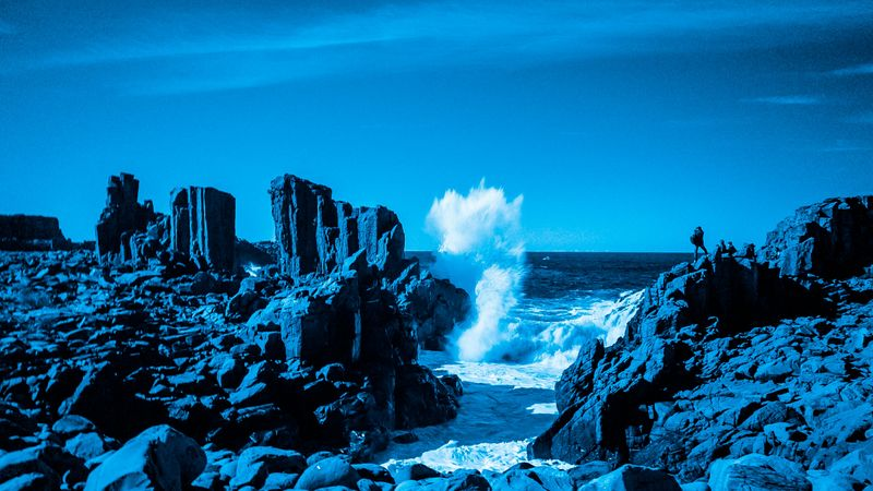 Shooting a large Wave from atop a cliff top. Infrared