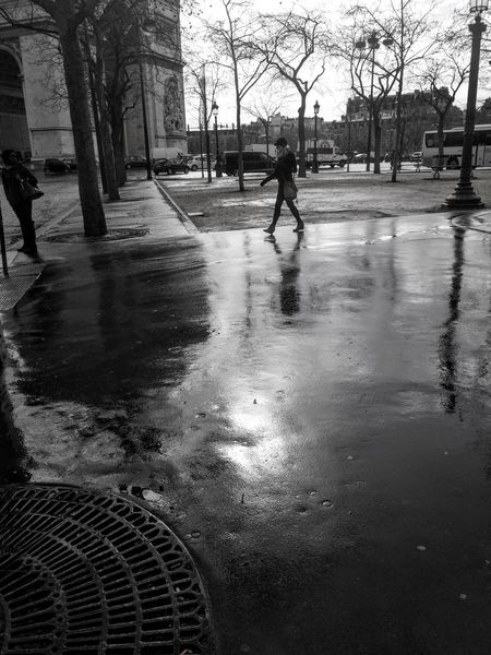 Street Wet Rain Black & White Love Paris Streetphotography Walking