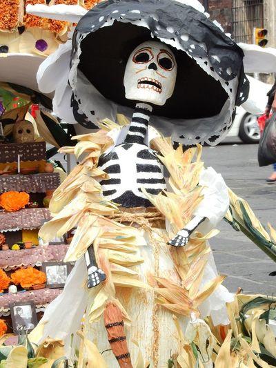 Ofrenda DIA DE MUERTOS Tradicion Mexicana Ofrenda Al Dia De Muertos Iniciando Con La Tradición Mexicana