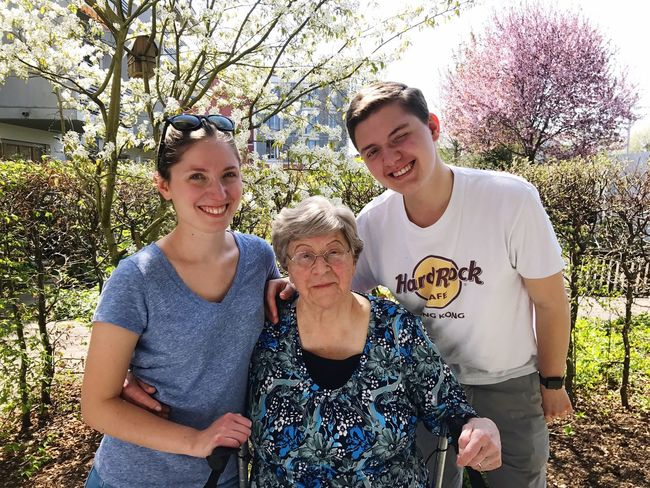 Grandma Sister That's Me 90yearsold Iloveher Germany Königsbrunn Smiling Tree Day Blue Eyes Photography Family