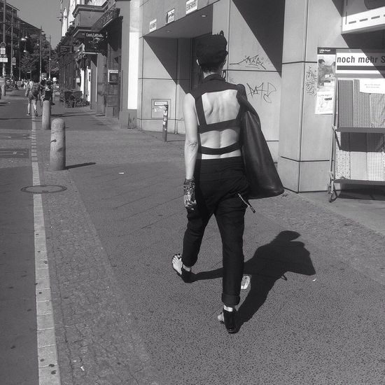 Girl in black Hanging Out Walking Around Berlinstyle (null)City Life Black And White Girl Streeetphotography Berlin Life