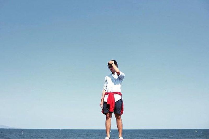 || B L U E || •I'm singing my blue• 🐋🐋🐋 Blue Blueandwhite Sky Beach Sea Me Onred Onthebeach Throwback Holiday Vacation Wanderler Wanderlust Vietnam Vietnamese Nature Free POTD Instaguy Instapic Instaphoto Sunshine Asianboy Anniversary Traveling bluesky nice withh... diễnsâu relaxing