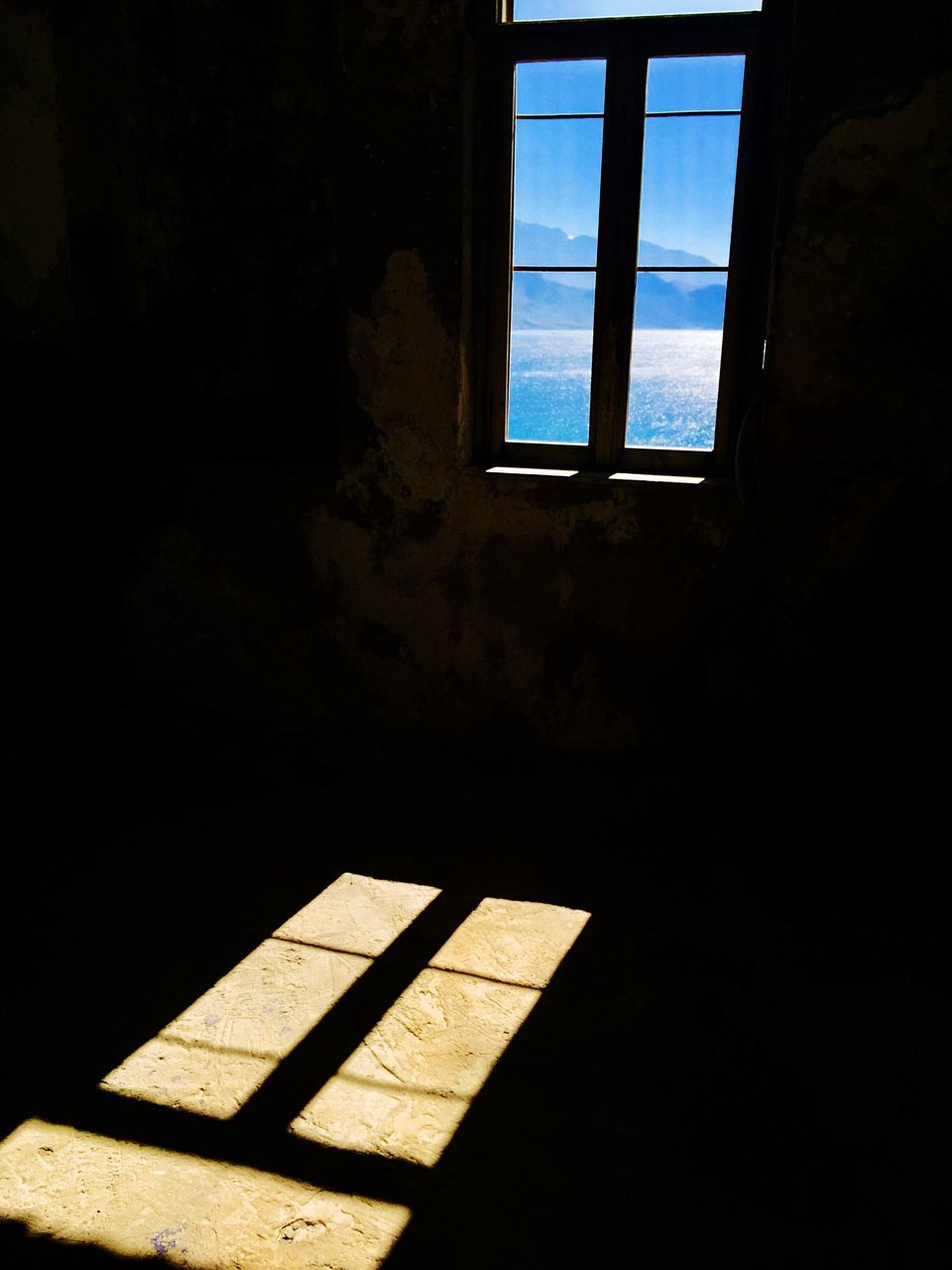 window, indoors, sunlight, shadow, no people, day, architecture, daylight