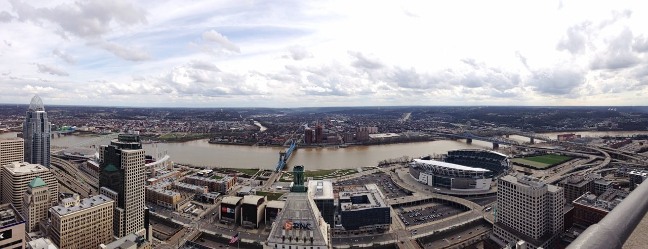 View from the carews tower in Cincinnati Ohio Ohio, USA Cincinnati Carew Tower Panoramic Scenery City Cityscapes Ohio River The Great Outdoors - 2017 EyeEm Awards The Architect - 2017 EyeEm Awards