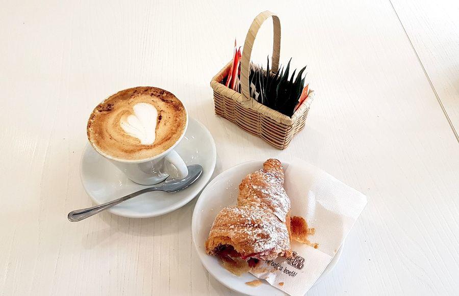 My happy breakfast. Restaurant Briosche Crossaint Breakfast ♥ EyeEmNewHere