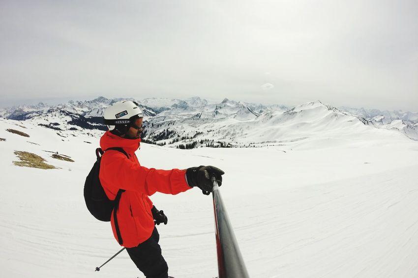 ... skiing.. 😜 Skiing