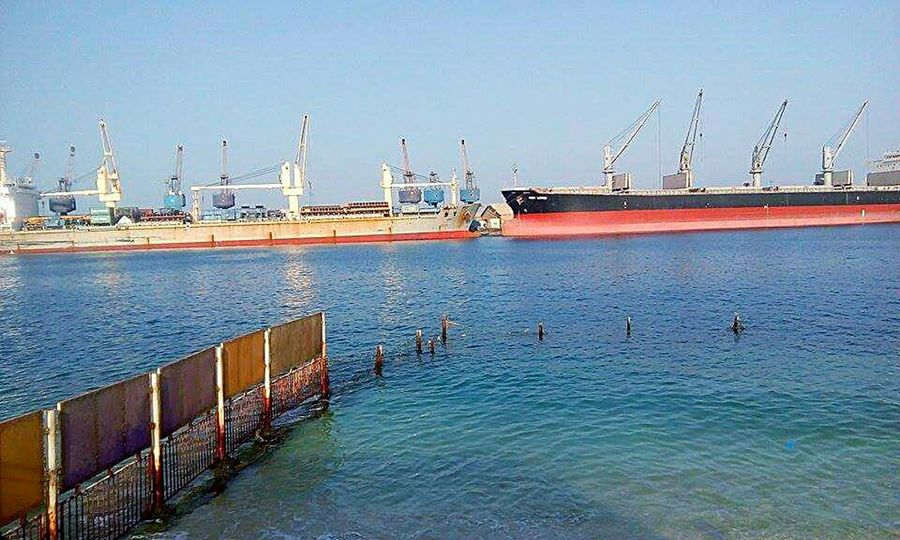 This port sudan the best place for tourism in sudan .............. and this is the Red Sea Water Industry Sea Harbor Business Finance And Industry Nautical Vessel Ship Commercial Dock Outdoors Day No People Factory Sky Nature Sailing Ship Shipyard Drilling Rig Oil Pump at Portsudan Break The Mold EyeEmNewHere The Great Outdoors - 2017 EyeEm Awards